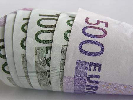 Drożejące euro utrzymuje notowania unijnych kontraktów na niskich poziomach, a śruta sojowa i soja ustanawiają kolejne rekordy cen