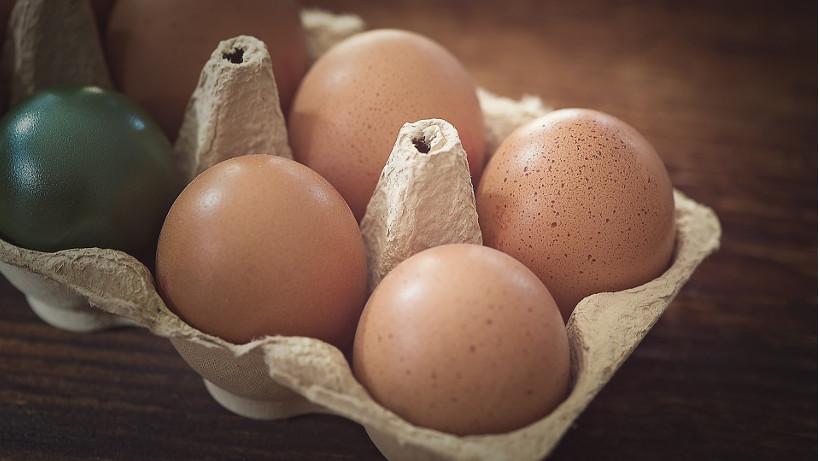 W maju płaciliśmy mniej za jaja