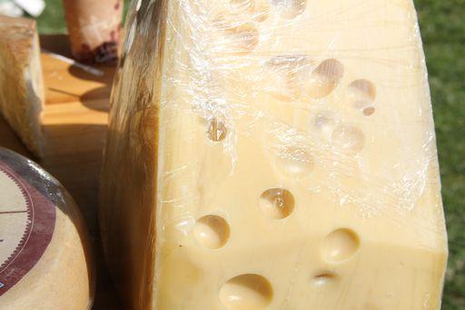 Ceny serów Gouda i Edamski przez rok wzrosły o jedną trzecią