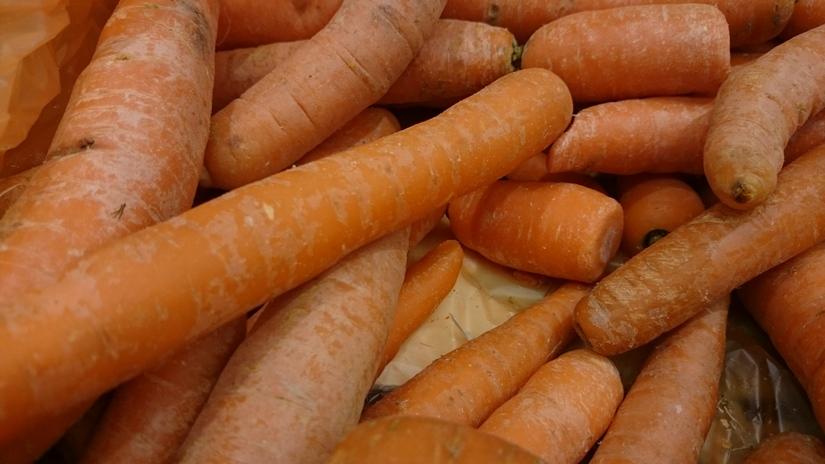 Sezonowy wzrost cen warzyw krajowych, chociaż w ujęciu rocznym nadal ich poziom jest niższy